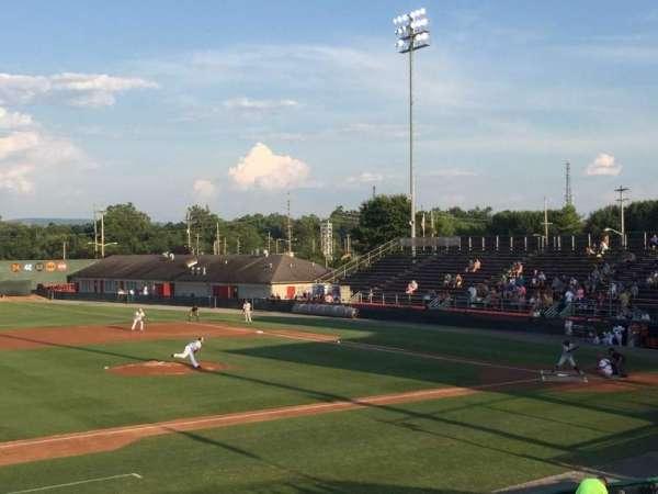 Municipal Stadium, sección: GA, fila: GA, asiento: GA