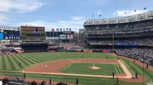 Yankee Stadium, sección: 223, fila: 7, asiento: 7