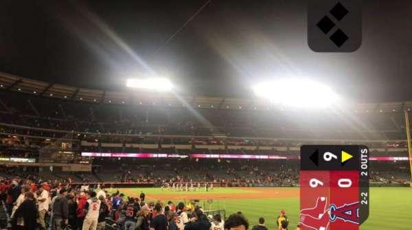 Angel Stadium, sección: F131, fila: J, asiento: 3