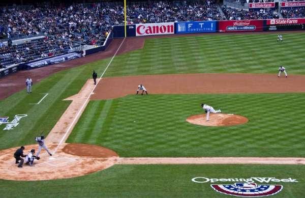 Yankee Stadium, sección: 217, fila: 10, asiento: 9