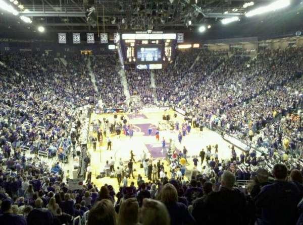 Bramlage Coliseum, sección: 26, fila: 28, asiento: 14