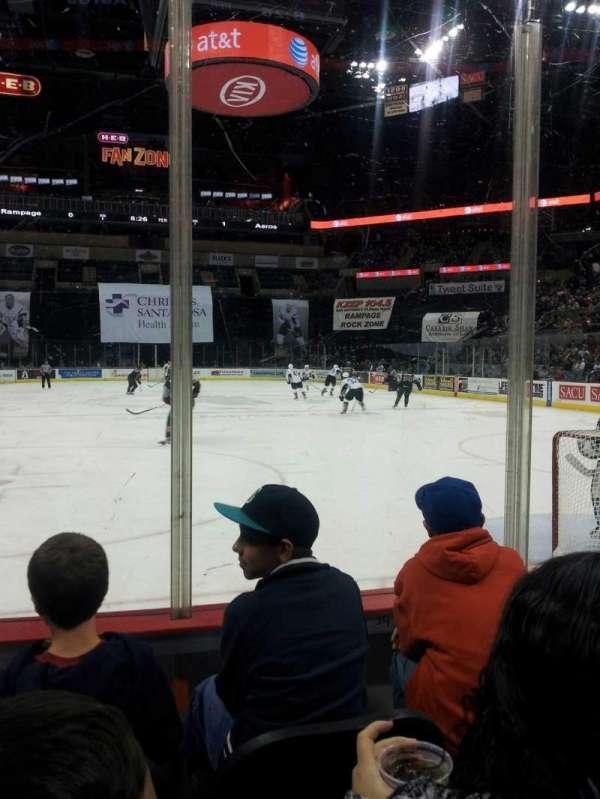 AT&T Center, sección: 101, fila: 8, asiento: 6