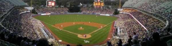 Dodger Stadium, sección: 3RS, fila: S, asiento: 8