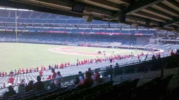 Angel Stadium, sección: T205, fila: K, asiento: 14