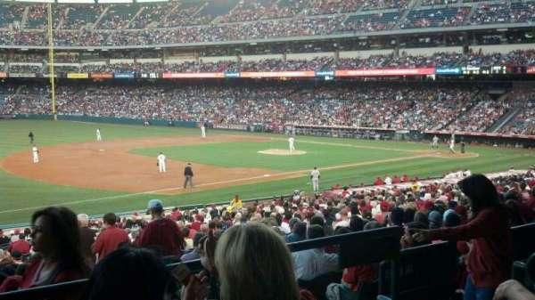 Angel Stadium, sección: T208, fila: C, asiento: 21