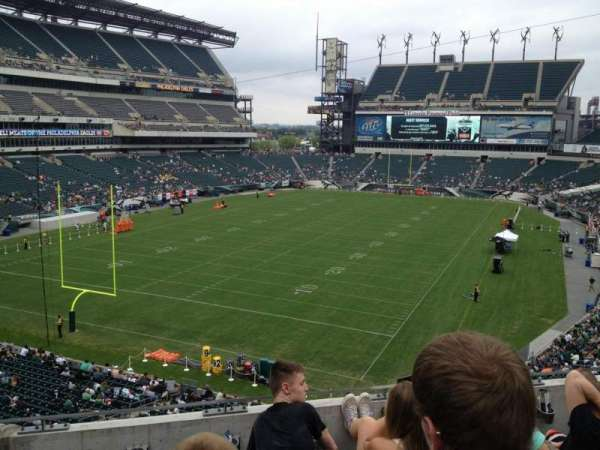 Lincoln Financial Field, sección: M13, fila: 4, asiento: 7