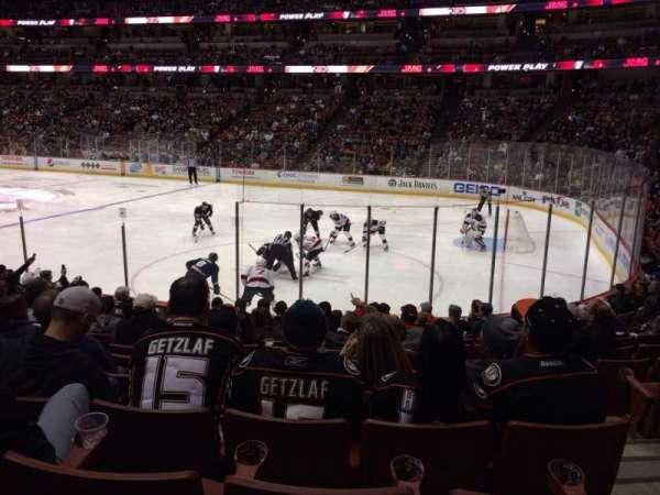 Honda Center, sección: 205, fila: M, asiento: 3