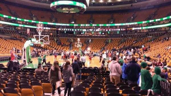 TD Garden, sección: Loge 5, fila: 2, asiento: 3