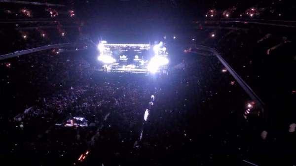Capital One Arena, sección: 411, fila: a, asiento: 1