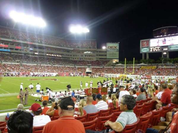 Raymond James stadium, sección: 109, fila: H, asiento: 1