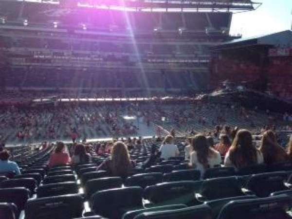 Lincoln Financial Field, sección: 120, fila: 32, asiento: 17