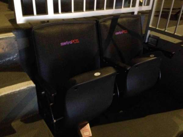 Barclays Center, sección: 225, fila: 2, asiento: 1-2