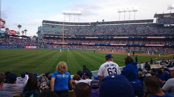 Dodger Stadium, sección: 149lg, fila: J, asiento: 4