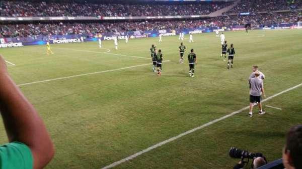 Soldier Field, sección: 144, fila: 2, asiento: 10