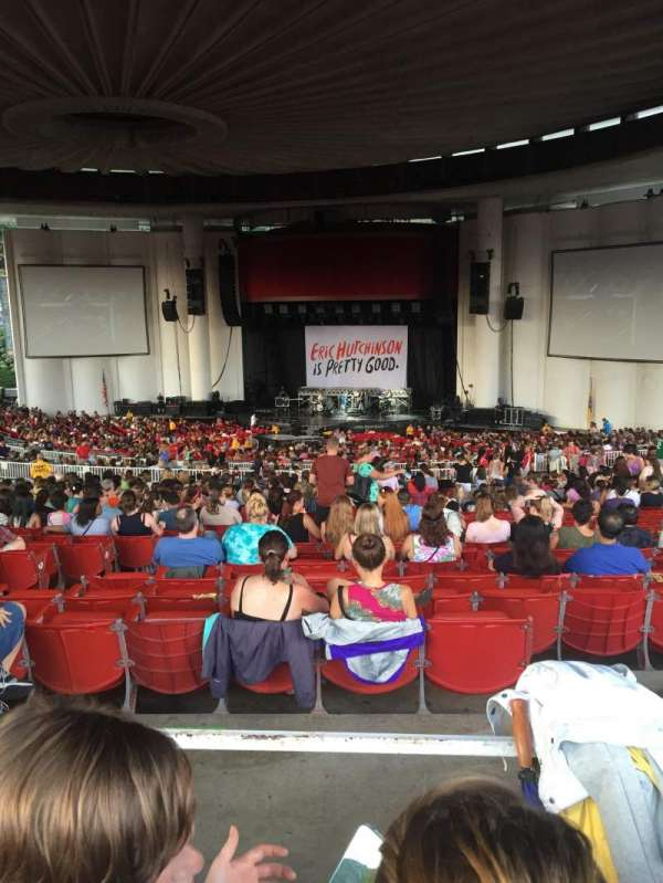 PNC Bank Arts Center, sección: 402, fila: J, asiento: 114
