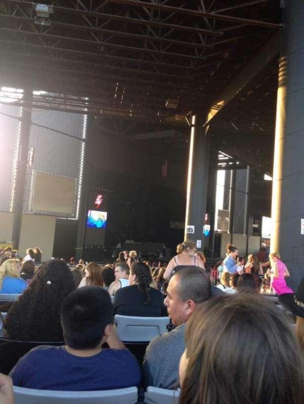Hollywood Casino Amphitheatre (Tinley Park), sección: 207, fila: BB, asiento: 10