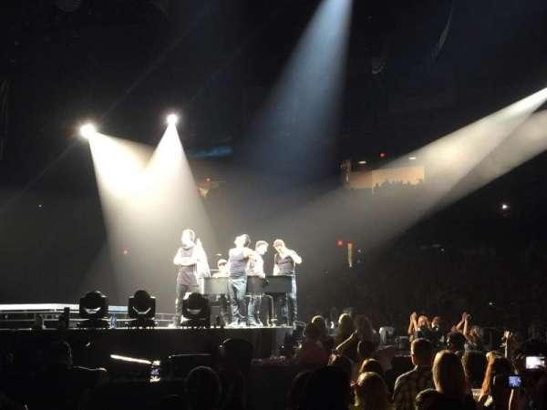 Allstate Arena, sección: 110, fila: AA, asiento: 11