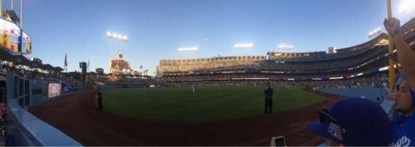 Dodger Stadium, sección: 51fd, fila: AA, asiento: 8