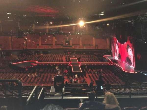 The Forum, sección: 209, fila: 5, asiento: 5