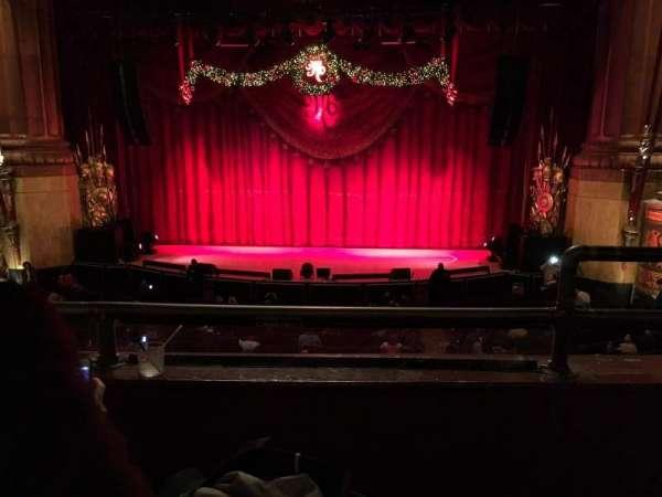 Beacon Theatre, sección: Loge C, fila: B, asiento: 111-112