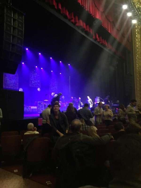 Chicago Theatre, sección: MNFL2L, fila: JJ, asiento: 207
