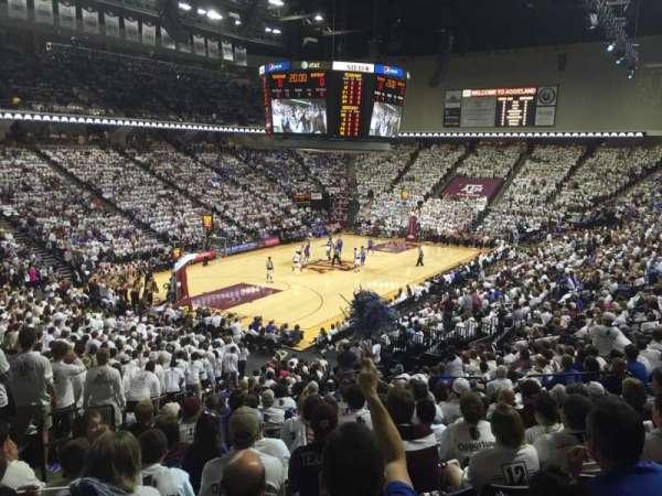 Reed Arena, sección: 109, fila: R, asiento: 13