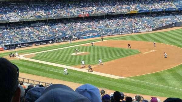 Yankee Stadium, sección: 212, fila: 14, asiento: 14