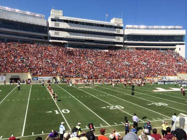 Lane Stadium, sección: 17, fila: W, asiento: 10