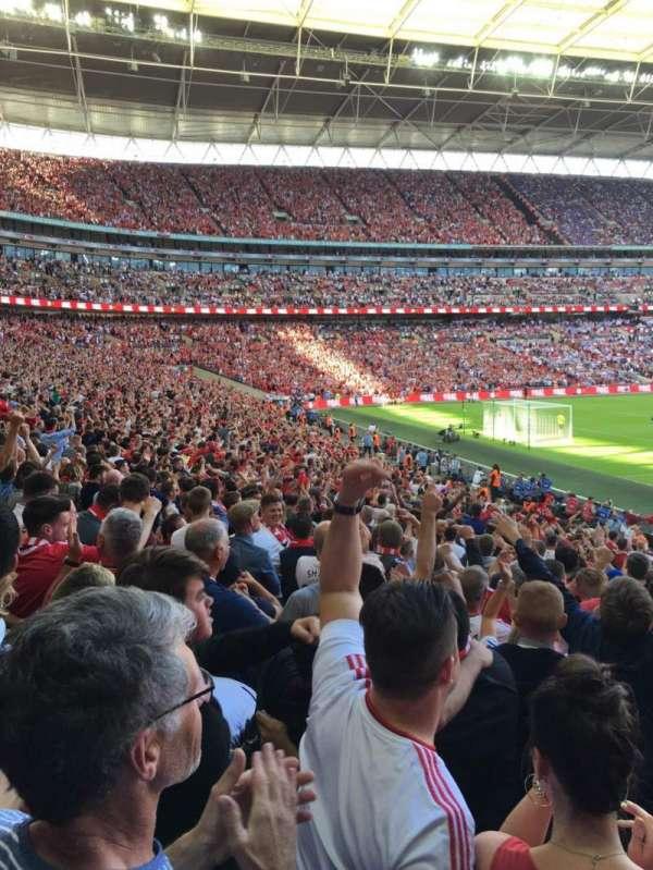 Wembley Stadium, sección: 130, fila: 24, asiento: 199