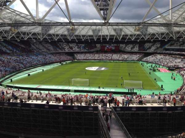 London Stadium, sección: 252, fila: 51, asiento: 818
