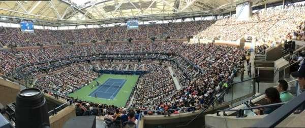 Arthur Ashe Stadium, sección: 303, fila: E, asiento: 5