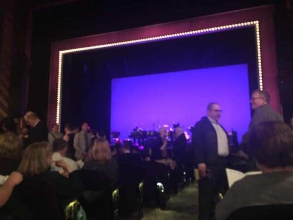 Lunt-Fontanne Theatre, sección: Orchestra R, fila: N, asiento: 2