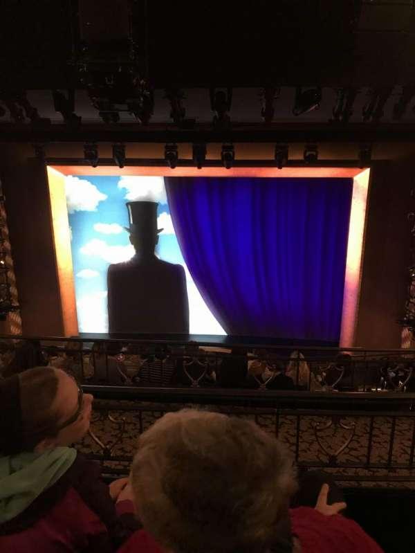 Lunt-Fontanne Theatre, sección: Rear Mezzanine RC, fila: C, asiento: 106