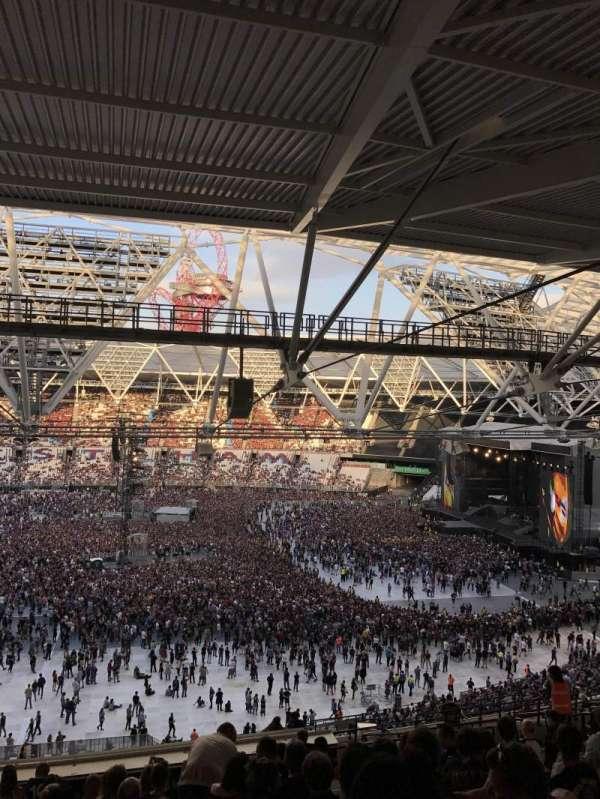London Stadium, sección: 208, fila: 67, asiento: 15