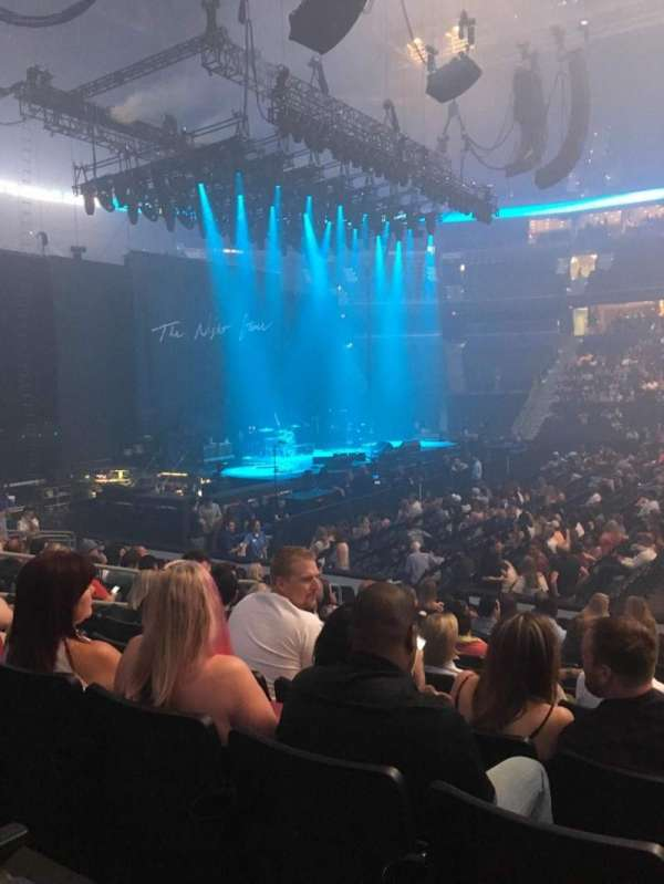 Amalie Arena, sección: 117, fila: N, asiento: 8