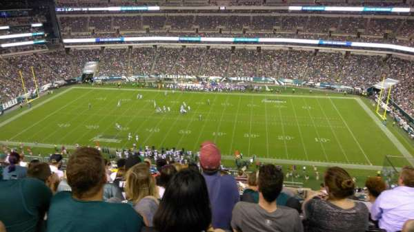 Lincoln Financial Field, sección: 202, fila: 14, asiento: 16