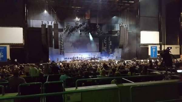 Hollywood Casino Amphitheatre (Tinley Park), sección: 205, fila: LL, asiento: 20-21