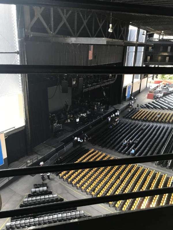 Hollywood Casino Amphitheatre (Tinley Park), sección: 329, fila: 1, asiento: 1