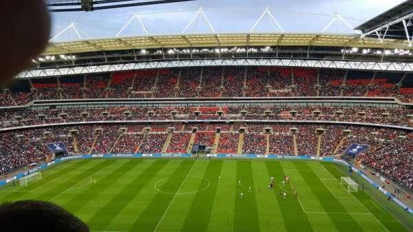 Wembley Stadium, sección: 525, fila: 18, asiento: 354