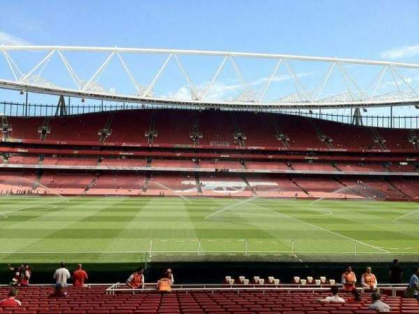 Emirates Stadium, sección: 1, fila: 22, asiento: 25