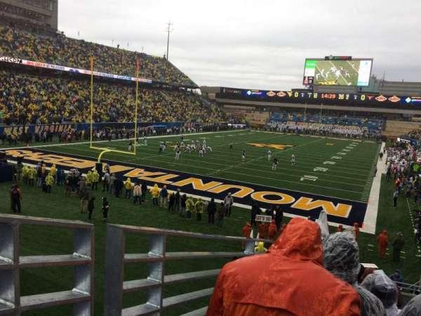Mountaineer Field, sección: 98, fila: 24, asiento: 15