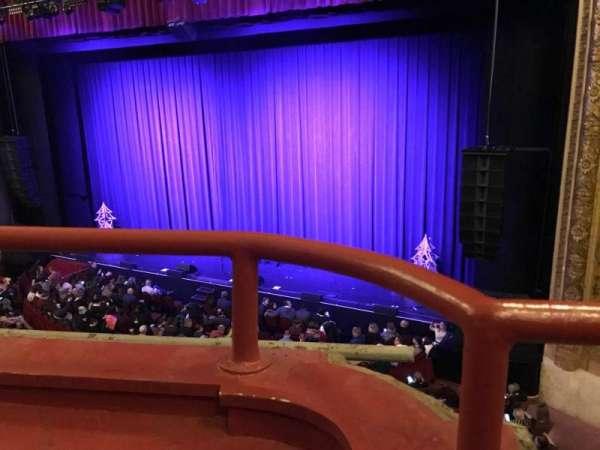 Chicago Theatre, sección: Loge2R, fila: AA, asiento: 206
