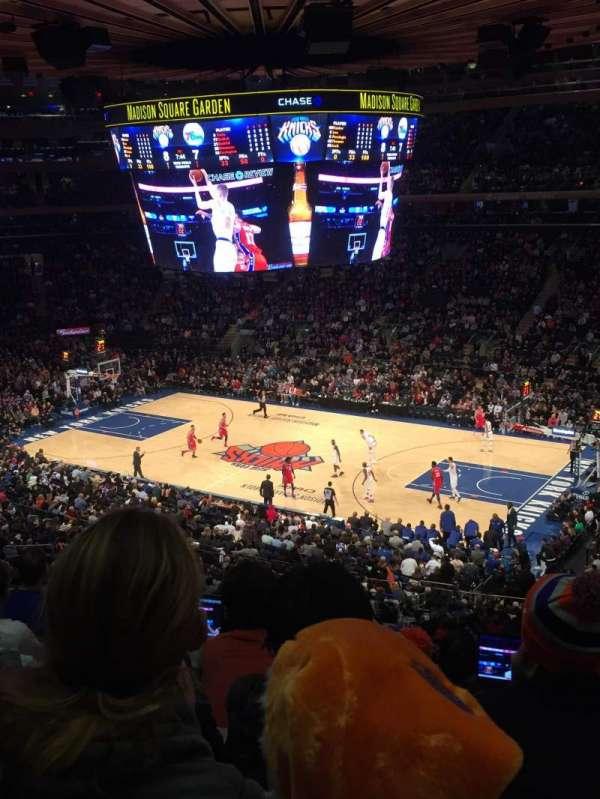 Madison Square Garden, sección: 213, fila: 6, asiento: 18
