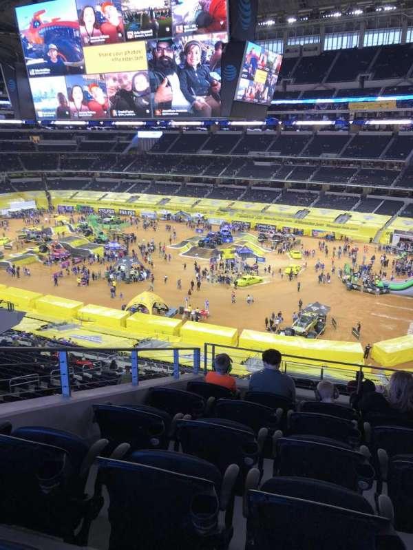 AT&T Stadium, sección: 305, fila: 16, asiento: 15