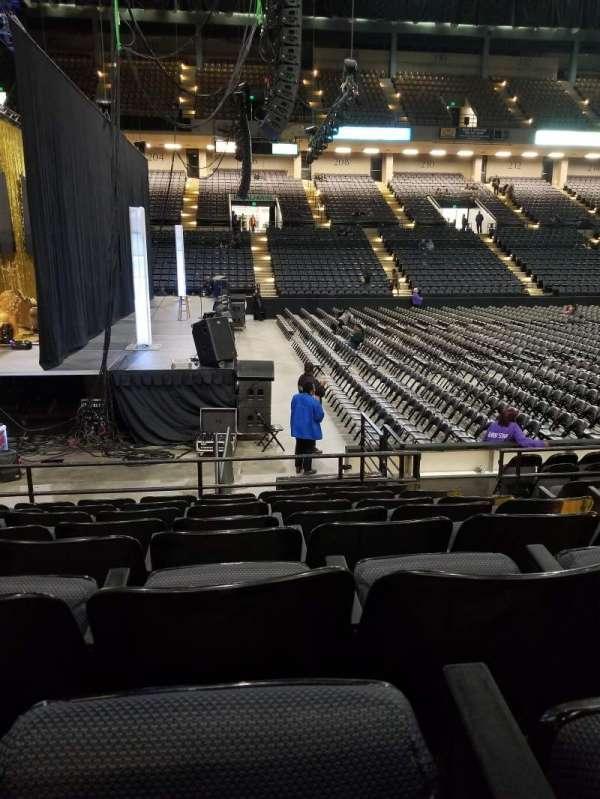 Royal Farms Arena, sección: 103, fila: H, asiento: 3