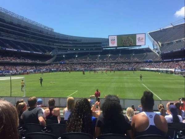 Soldier Field, sección: 150, fila: 7, asiento: 11