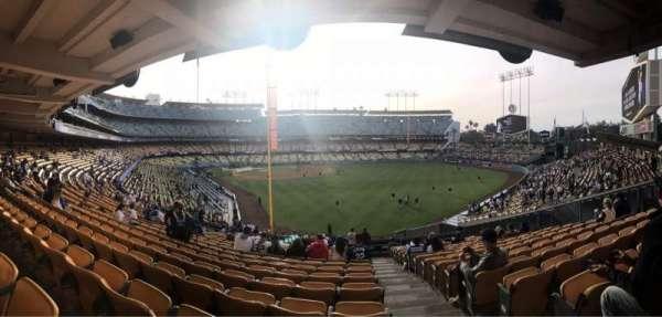 Dodger Stadium, sección: 166LG, fila: R, asiento: 20