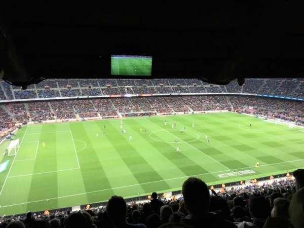 Camp Nou, sección: 331, fila: 35, asiento: 18