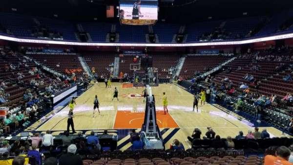 Mohegan Sun Arena, sección: 11, fila: N, asiento: 10