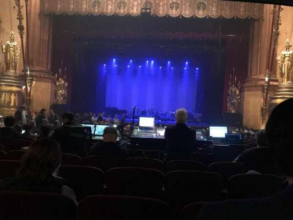 Beacon Theatre, sección: Orchestra, fila: T, asiento: 112